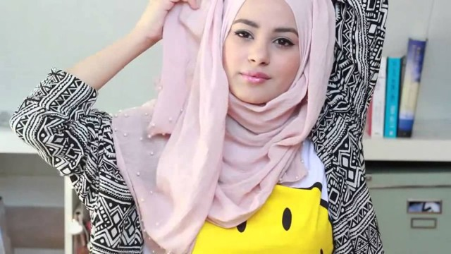 Quick and Simple Hijab Tutorial – Hijab Styles