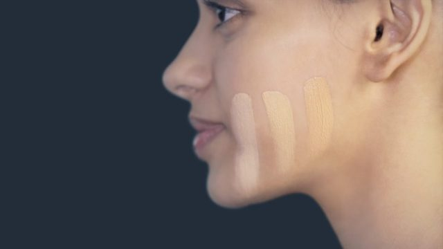 How To Pick The Right Shade Of Foundation